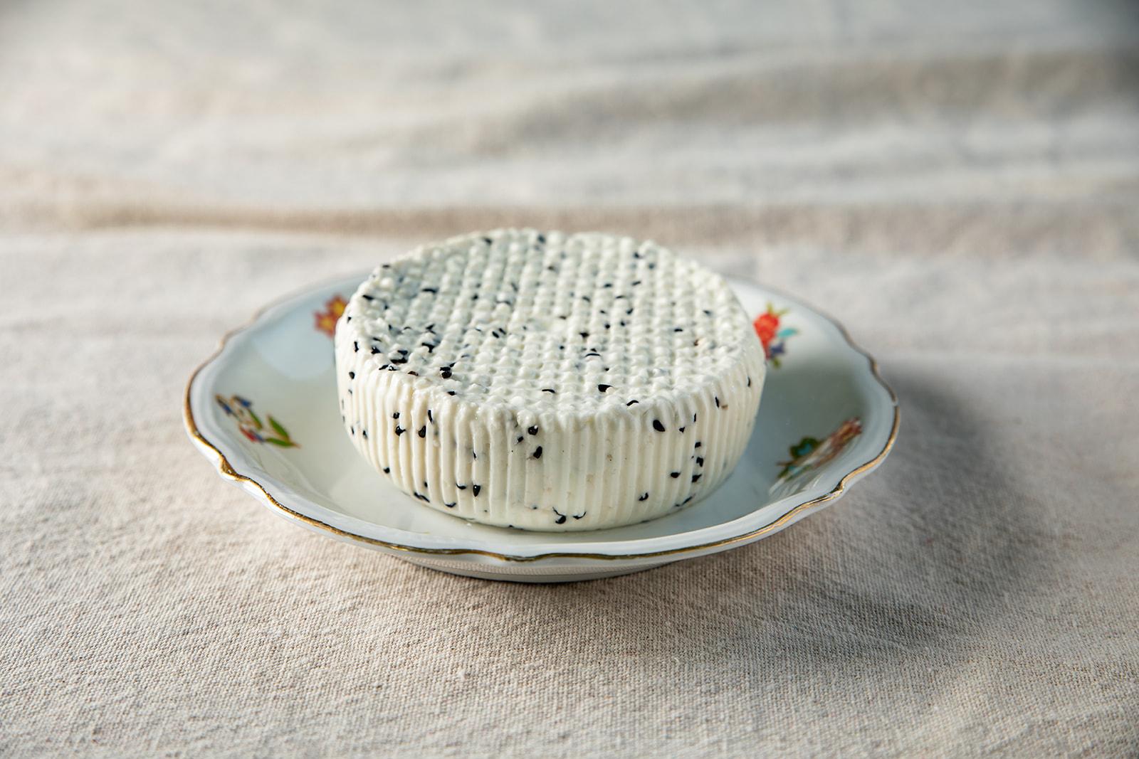 גבינה צפתית עם קצח 8%
