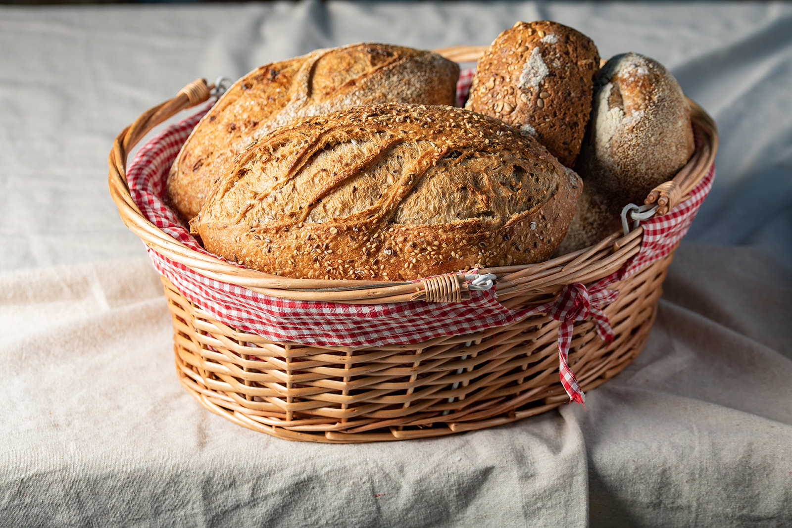 Bread basket for 6-8 diners