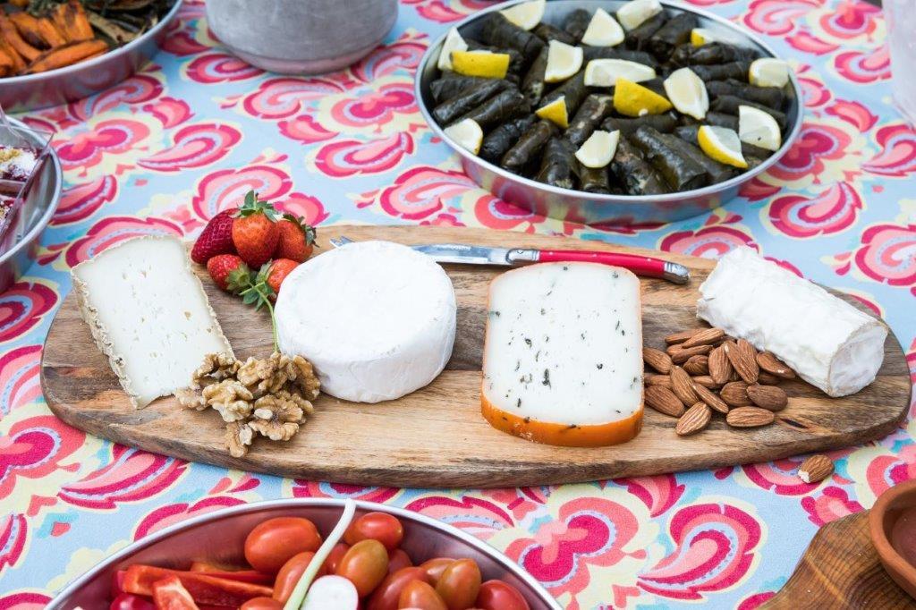 מגש גבינות חנן הגבן ל-30 אנשים