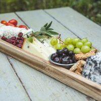 מגש גבינות מעוצב מלבני ל-3-5 סועדים